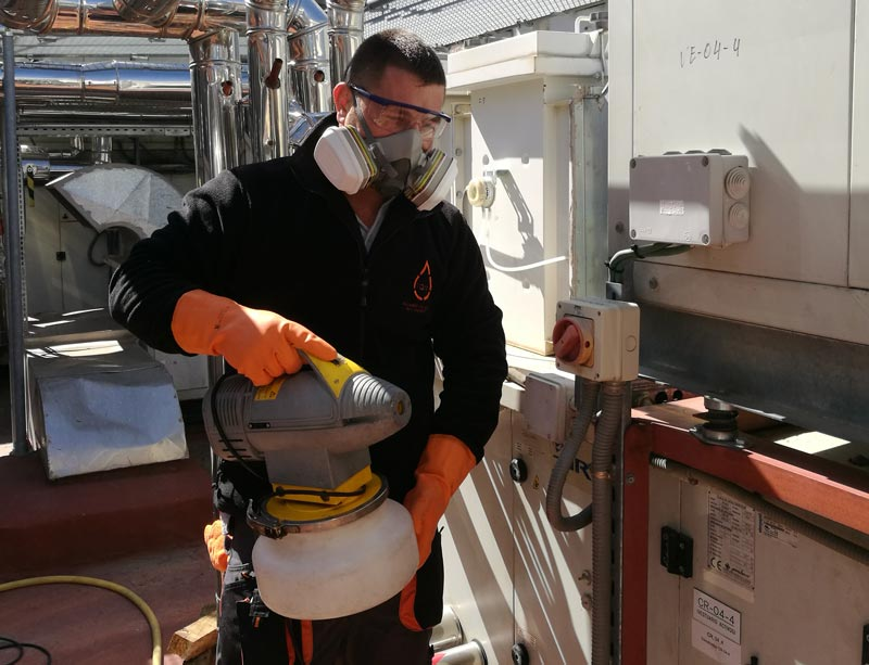 desinfección y limpieza conductos aire acondicionado Madrid